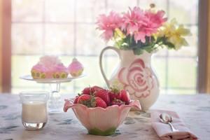 strawberries-in-bowl-783351